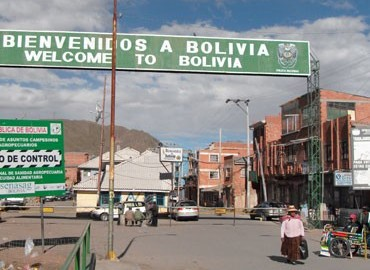 The border with Bolivia at Desaguadero.
