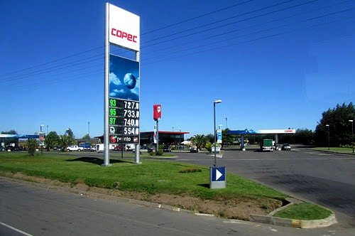 Hitchhiking in Chile requires you to hop from one Copec gas station to the next.