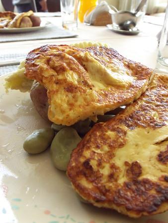 A Bolivian class: plato paisano.