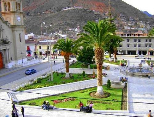 The main plaza in Tarma, Peru.