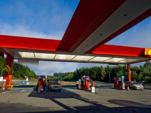 Another aid to understand how to hitchhike in Chile: the Terpel gas stations.