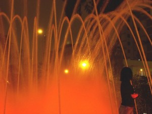 Mayra hiding in Lima's fountains.